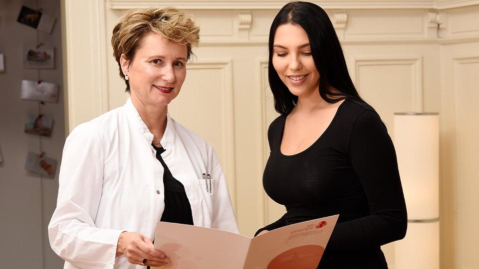 Die 5 Schritte der Schamlippenkorrektur - 1 - Erstberatung